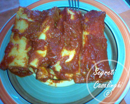 ricetta cannelloni napoletani,cannelloni ripieni alla napoletana,ricetta dei cannelloni ripieni con mozzarella ricotta alla napoletana,ricette primi piatti,