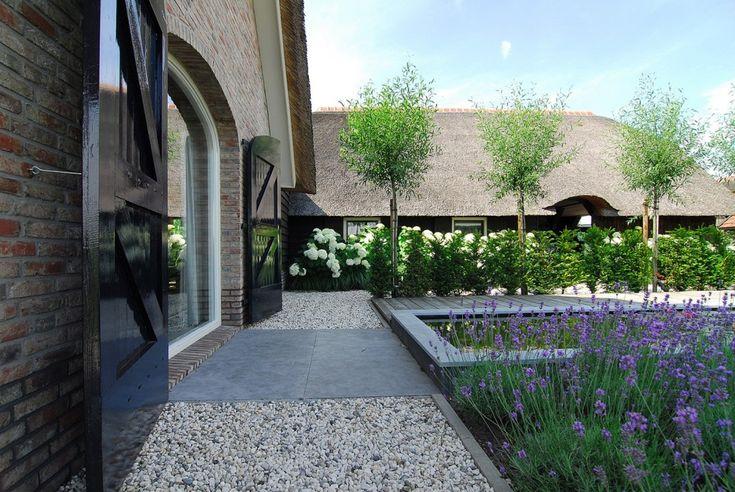 Nieuw-landelijke tuin op de Veluwe. Meer van dit project zien? Klik door naar het project op walhalla.com