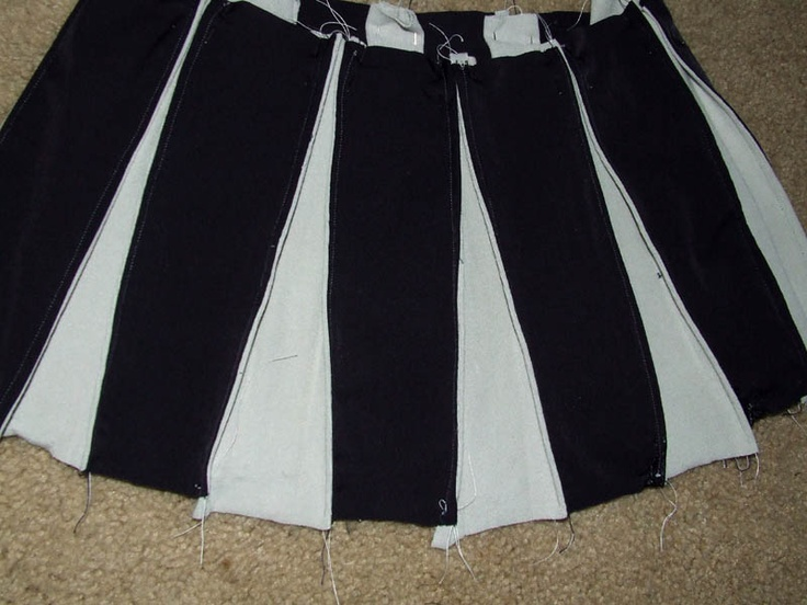 Great way to make a cheerleader skirt: