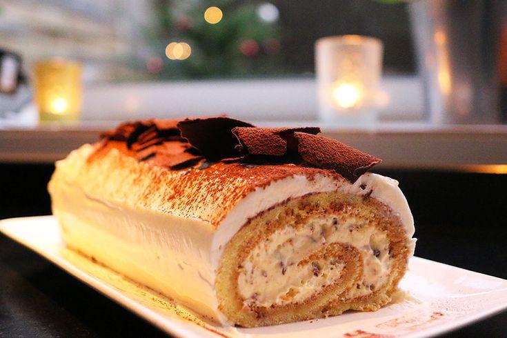 Recette de fêtes : la bûche tiramisu par Hervé Cuisine. Recette complète sur www.hervecuisine.com