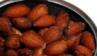 The Benefits of Soaking Almonds in Water...I have been eating almonds wrong...Thanks Molly Rice.