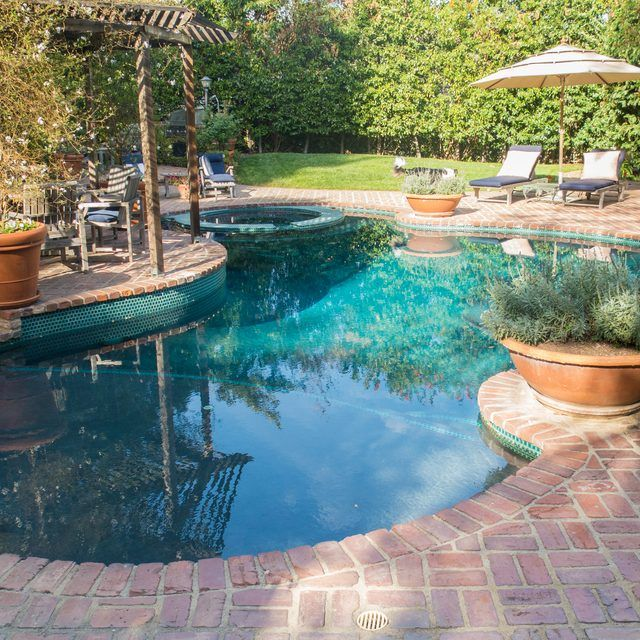 how to add salt to pool with salt water chlorinator