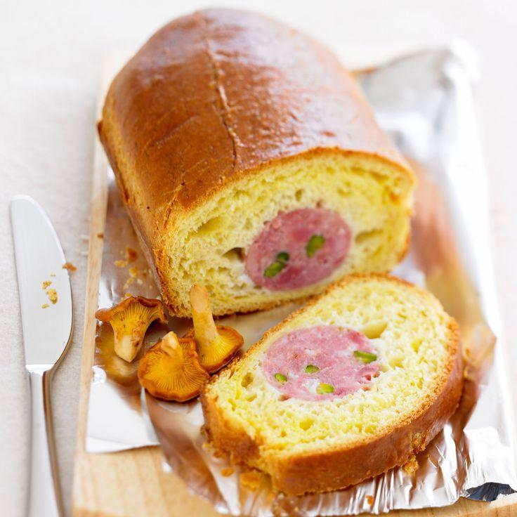 Découvrez la recette Saucisson brioché traditionnel sur cuisineactuelle.fr.