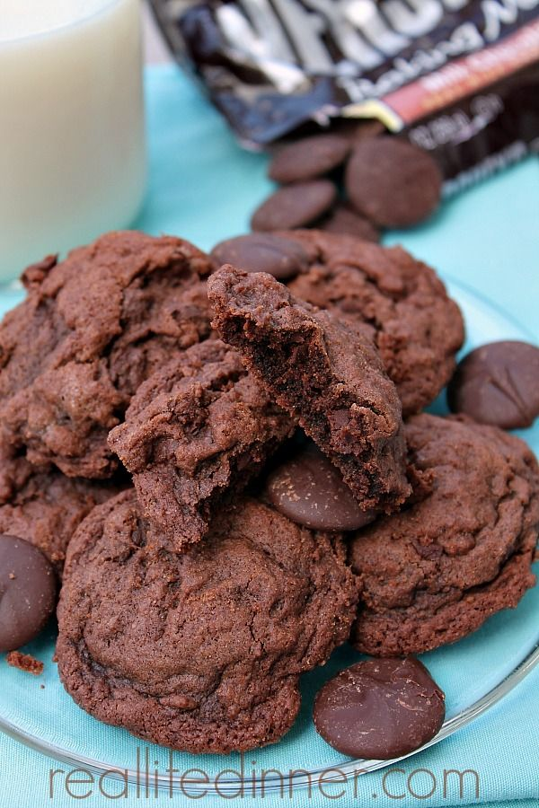 Awesome Double Chocolate Cookies...Chocolate Therapy at it's finest! | reallifedinner.com