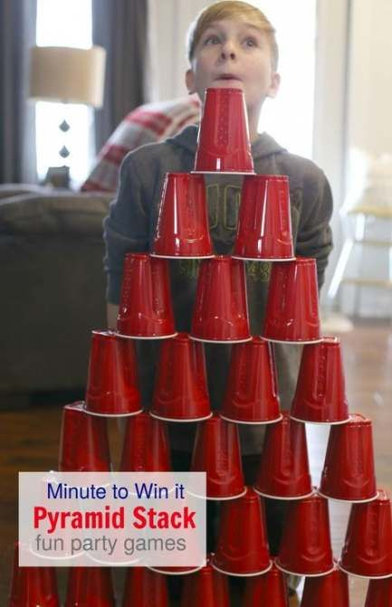 Christmas games for family and friends. Pyramid Stack from spiel vmodels