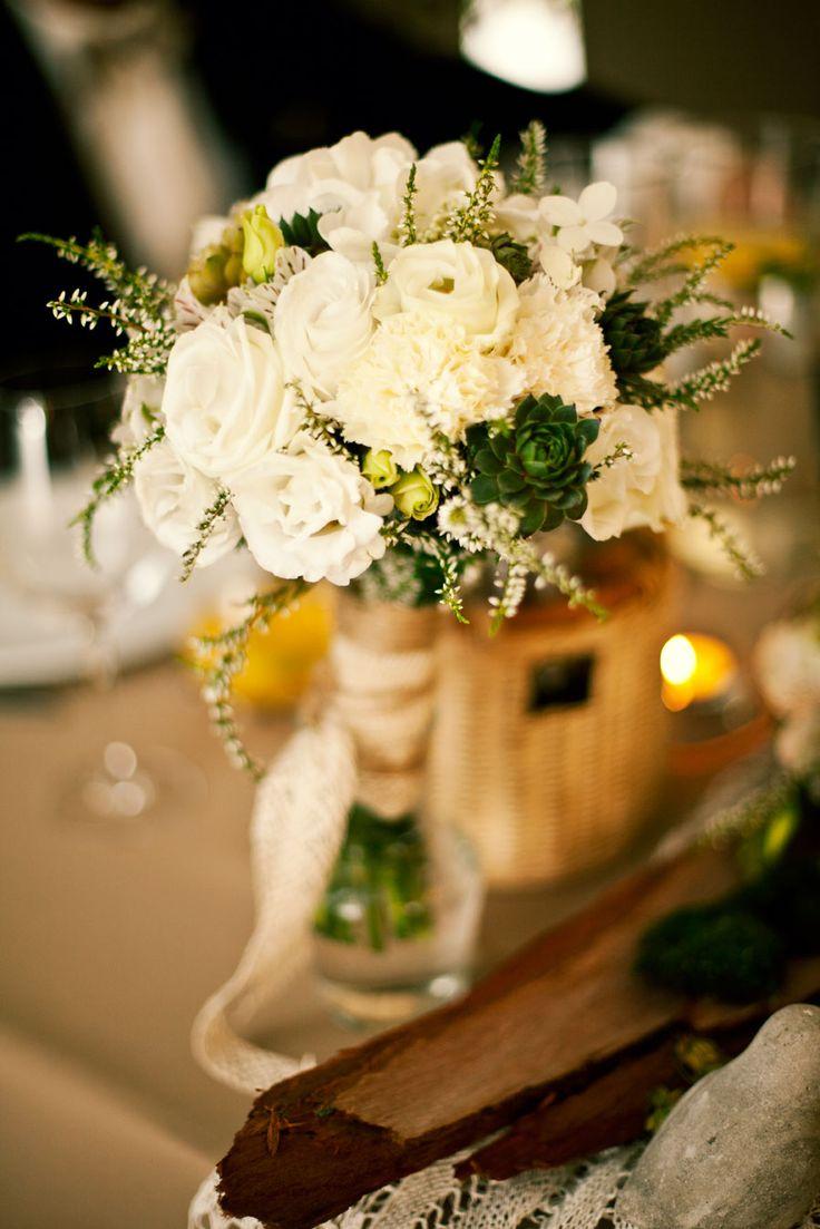 Wedding details, decorations, flowers. Photography by Katarzyna Zydroń, more on katarzynazydron.pl