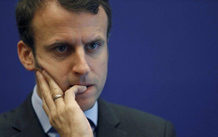 La popularité d'Emmanuel Macron en chute de 5 points, selon les sondages