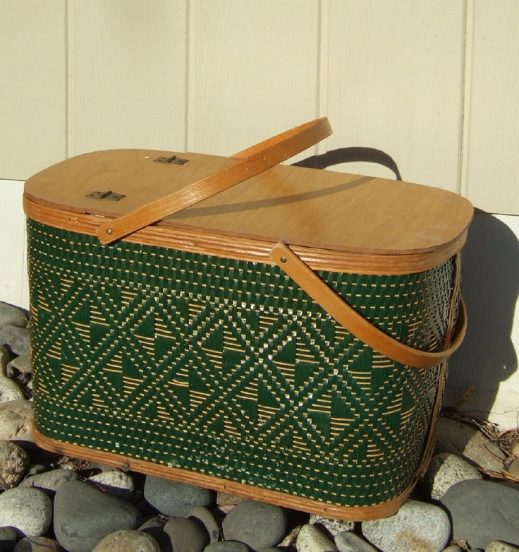 Picnic Basket Pie : Vintage hawkeye wicker picnic basket food hamper