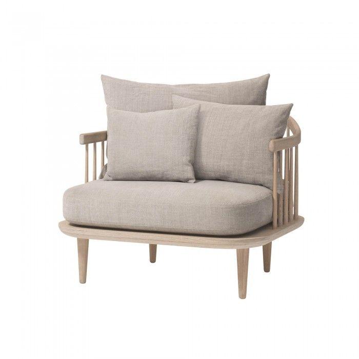 Le Fauteui Fly invite au repos et à la relaxation, le dossier avec ses coussins s'adapte aux besoins de l'utilisateur. Magasin de mobilier et décoration Paris.