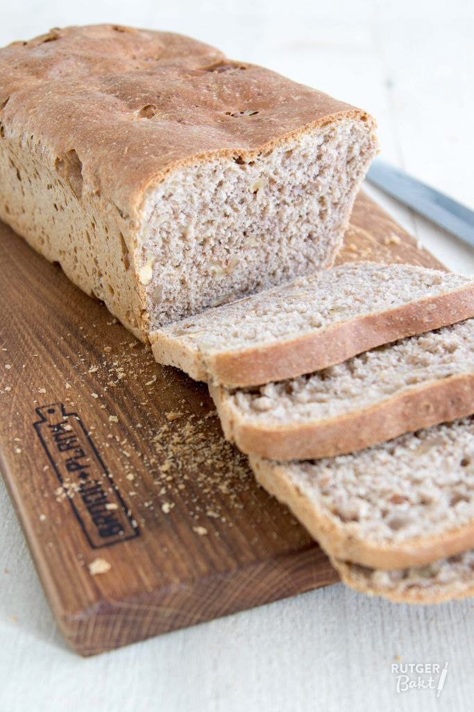 Recept: Speltbrood met walnoten / Recipe: Spelt bread with walnuts