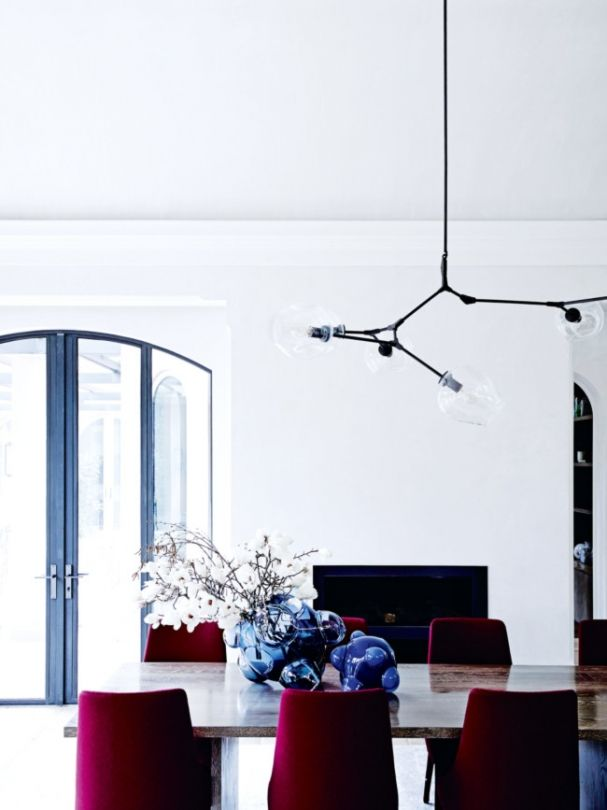 A melbourne home with the winter blues modern dining for Dining room 211 melbourne