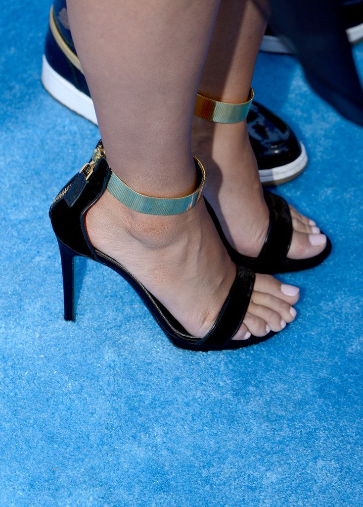 Model Amber Rose (accessory detail) arrives at the 2013 Billboard Music Awards at the MGM Grand Garden Arena on May 19, 2013 in Las Vegas, Nevada.
