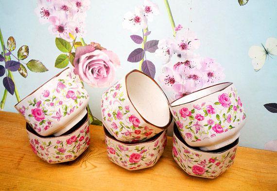 Ceramic Ramekin dishes . Set of 6 Ramekins . Floral cookware . Vintage kitchen . Vintage kitchenware . Snack bowls . Rose pattern dishes