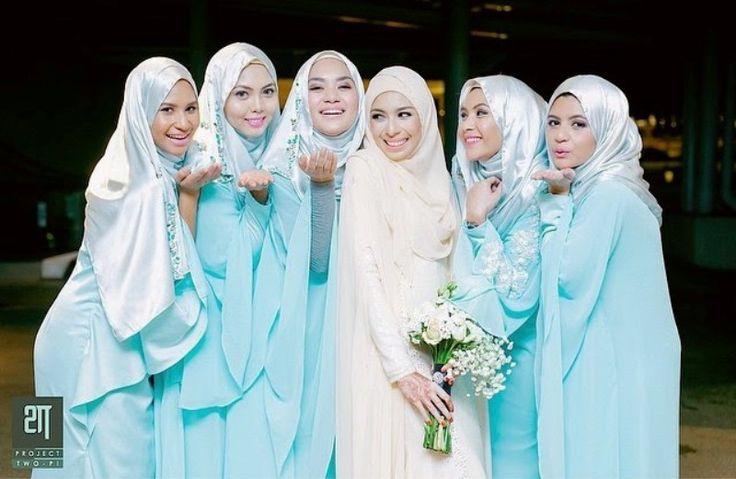 Faralyna Idris wedding - blue bridemaids