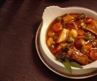 Receita de deliciosa sopa de verduras do Marrocos, com carne, arroz e aletria e temperos marroquinos.