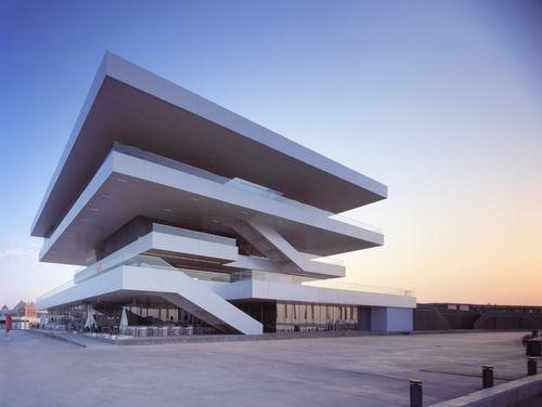 Architect Career David Chipperfield - America's cup building, Valencia 2006. Photo (C) Hisao Suzuki.