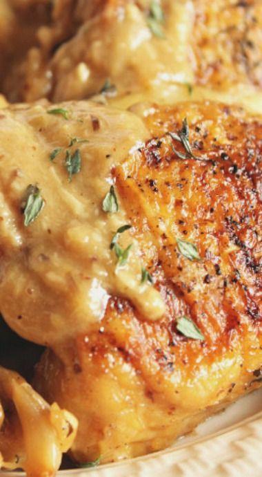 Champagne and Garlic Braised Chicken Thighs