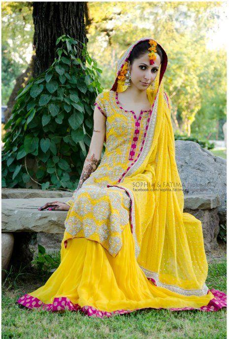 Bridal mehndi makeup - Bridal makeup trends 2012. Bridal Mehndi Dresses designs 2013. Beautiful mehndi designs for bridals. Yellow and green bridal wedding dresses and lehnga designs.
