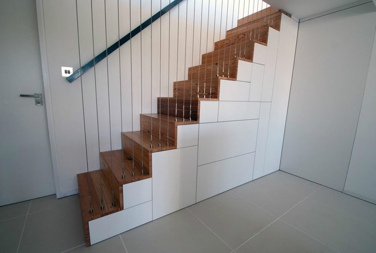 Tension wire balustrade