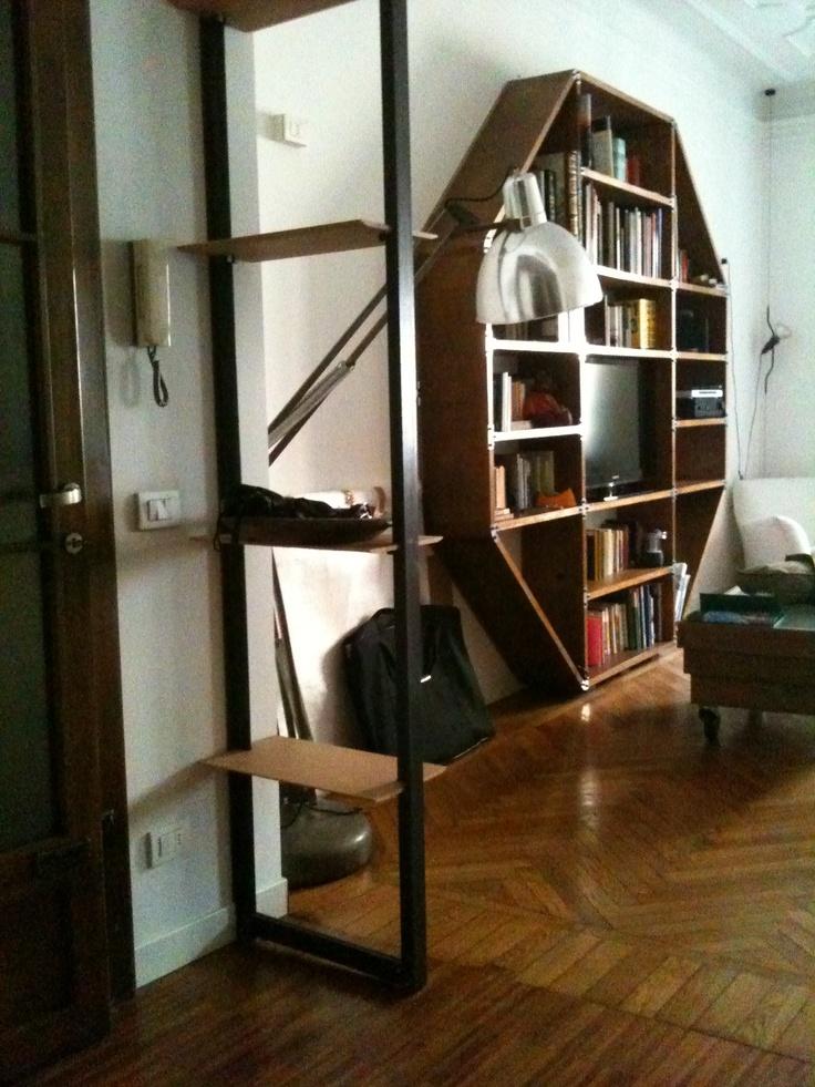 la mia libreria è ottagonale, come Castel del Monte