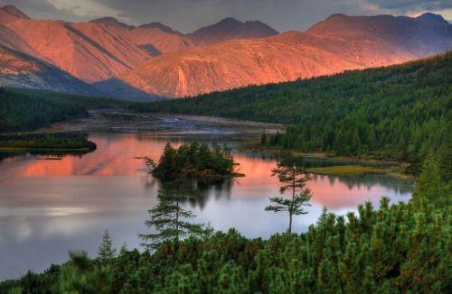 Jack London's Lake, Kolyma, Magadanskaya oblast, Far East | Озеро Джека Лондона, Колыма, Магаданская область, Дальний Восток  http://goo.gl/mokpbO