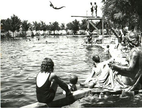 1960 Atatürk Orman Çiftliği, tramplenden atlayanlar.