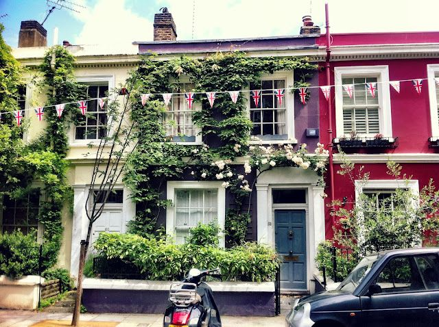 Notting Hill, London, England | If any house were my dream house, this would be it. How absolutely perfect.