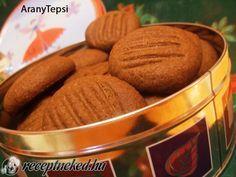 Kakaós keksz recept - Hozzávalók: 25 dkg margarin 10 dkg porcukor 1 cs vaníliás cukor 30 dkg liszt 5 dkg cukrozatlan kakaópor