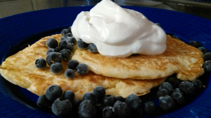 Old fashioned pancakes with lemon and blueberries! Definitely gonna make them again ❤