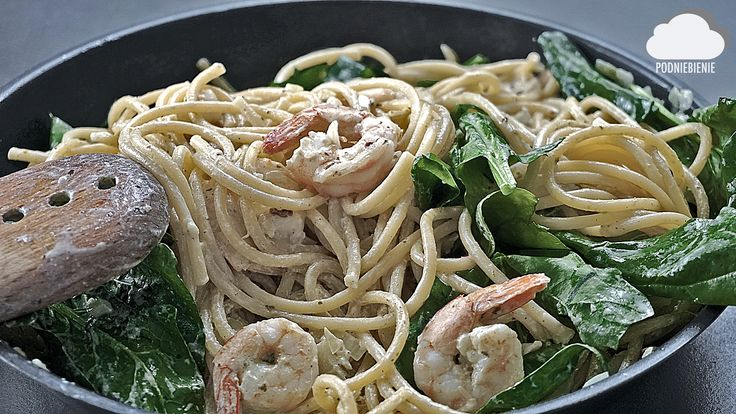 🍝#makaronzkrewetkami #krewetki #pesto #szpinak #PodNiebienie #spaghetti #bucatini #schrimps #prawns #spinach #feedfeed #fooddiary #foodie #onthetable #recipes #homecooking #pornfood #foodporn #foodphotography #dinner #italianfood #italiancooking #blogkulinarny #gotowanie #healthyfood #seafood #pasta