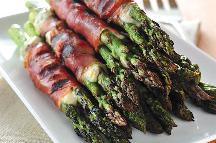 Asparagus Wraps with Crispy Prosciutto and Herbed Cheese
