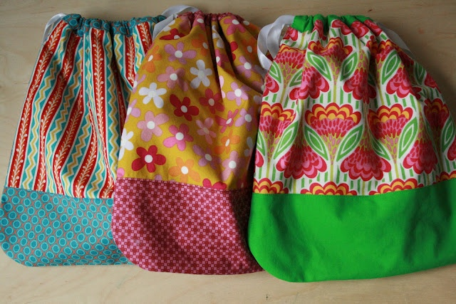 Drawstring bags from Little Things to Sew: Reusable Gifts, Gifts Wraps, Wraps Ideas