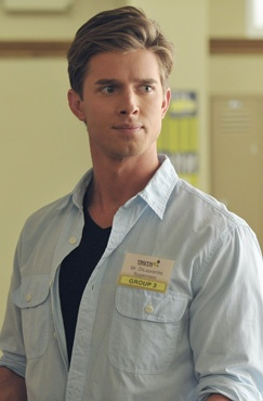 If he turns up dead... I wont watch PLL anymore.  Ok I lied. But id be really sad.