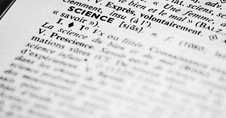 """Definición de elemento representativo. La tabla periódica de los elementos como se la conoce hoy fue desarrollada por el químico ruso Dmitri Mendeleev y presentada por primera vez en el periódico alemán de química Zeitschrift de Chemie en 1869. Mendeleev había creado originalmente su """"sistema periódico"""" escribiendo las propiedades de los elementos en trozos de cartas y organizándolas ..."""