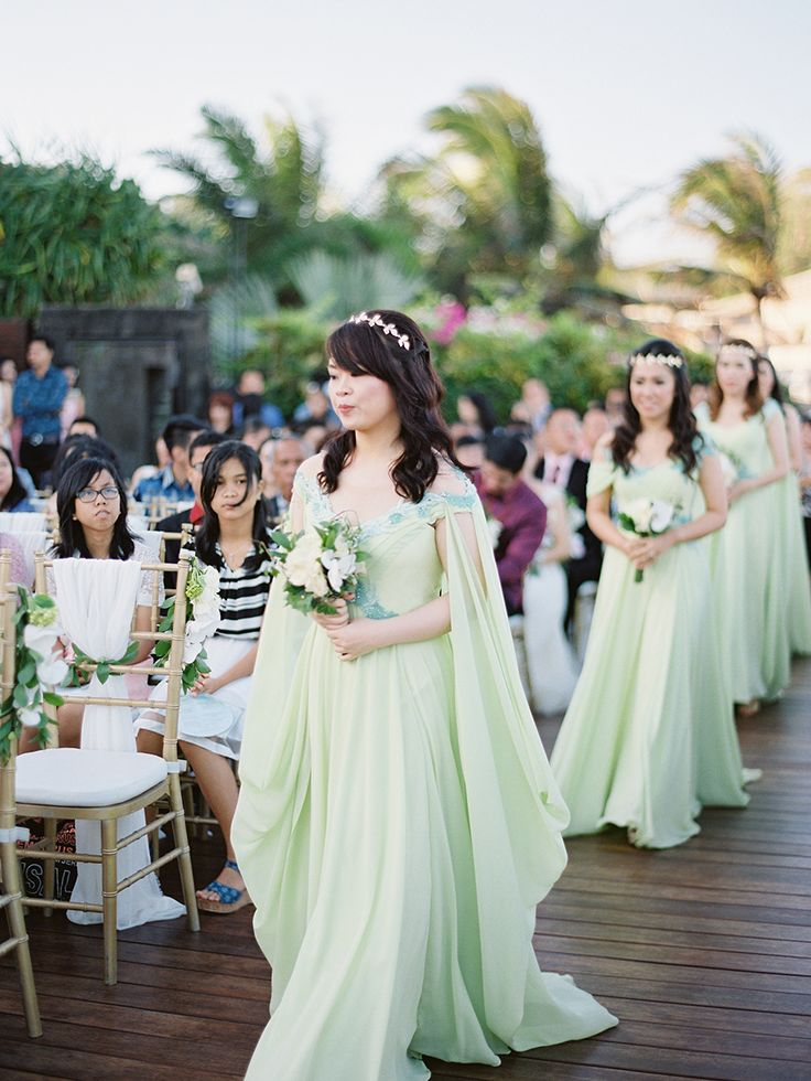 Mint Greek-inspired #bridesmaid dresses and gold laurel wreath headpieces {Facebook and Instagram: The Wedding Scoop}