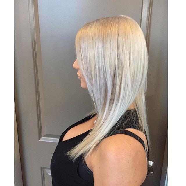 •Blonde is kinda my thing• #crimson #crimsonhairsalon #blonde #springishere #brightblondes #olaplex #joico #lovemyclients❤️ #hairgoals #beyourownkindofbeautiful #lovemyjob❤️ @crimsonhairsalon Model @rochellexoooox