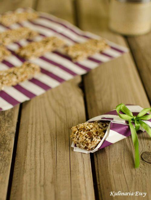 Oatmeal breakfast bars without baking.