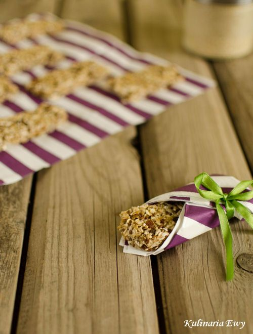 Oatmeal breakfast bars without baking.