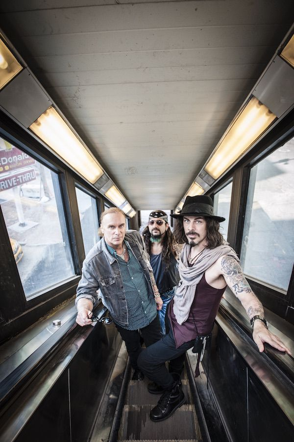 The Winery Dogs' Richie Kotzen discusses new album, solo DVD, Best Buy Theater show and Japan