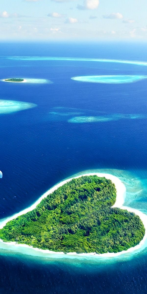 TOP 15 Most Romantic Places In The World  - YouMustBeHere.com