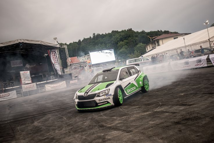Have you ever drifted a car with a top speed of 248 km/h? #skoda #r5 #woerthersee