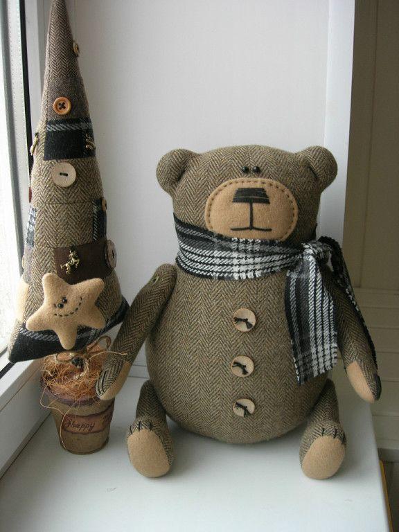медведь и елка игрушка из ткани