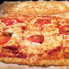 Quinoa pizza crust recipe -- this is so good, easy, and healthy for you.  A must try!  Gluten-free, no flour.