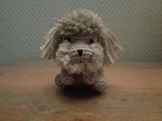 Teddino il barboncino amigurumi pupazzo portachiavi realizzato a mano con la tecnica degli amigurumi.Ottima idea regalo per chi ama gli animali.