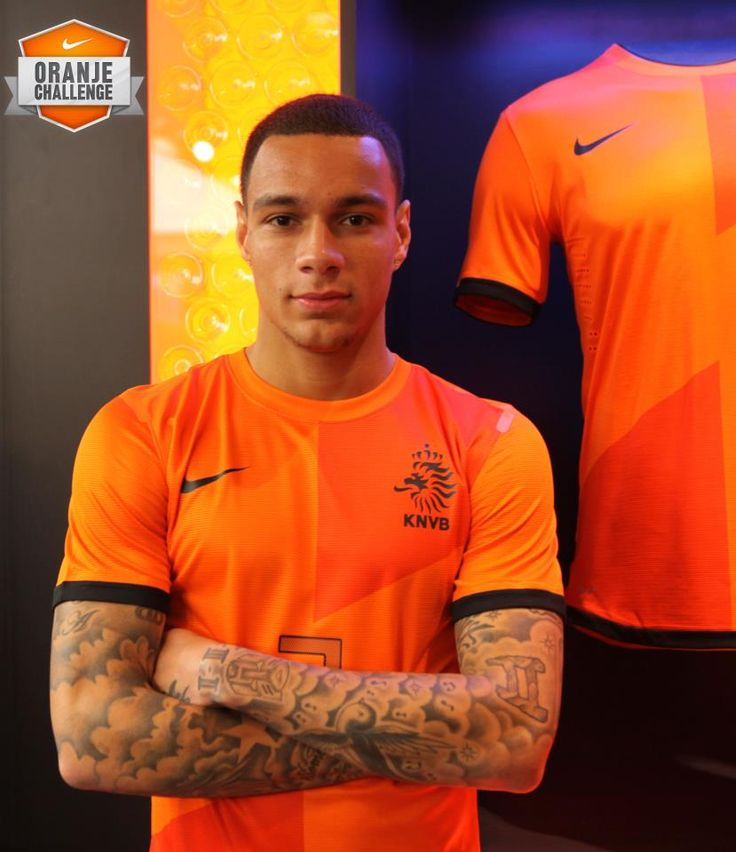 Gregory van der Wiel | Oh No They Didnt German soccer player Mario G tze on holiday