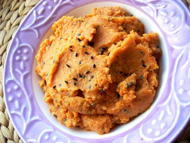 Tani weganizm*: Pasta z czerwonej soczewicy i marchewki, z czarnuszką