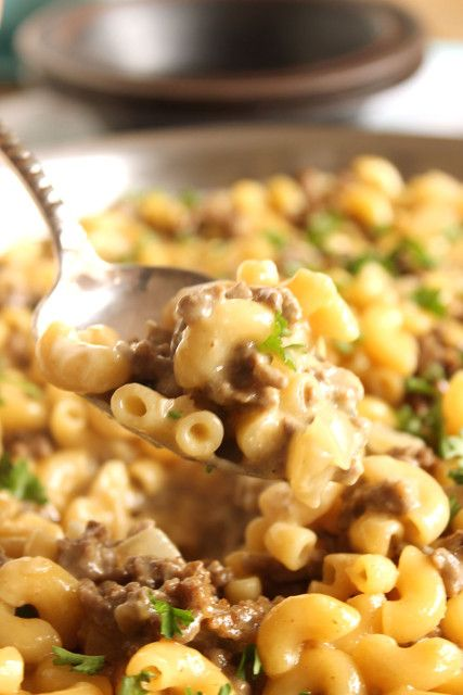 Easy Cheeseburger Macaroni Skillet....so much better than Hamburger Helper, you'll never go back to the box again. | The Suburban Soapbox