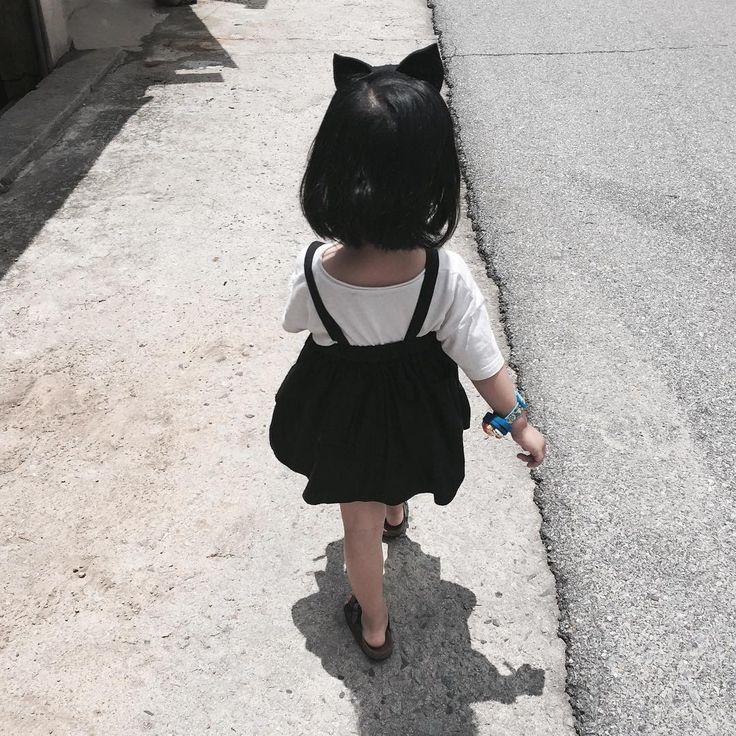 """Cô bé """"50 sắc thái"""" có đôi má bụ bẫm và ngọt ngào như chiếc bánh Mochi"""