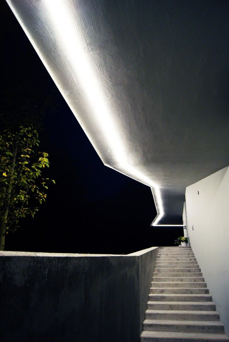 Villa:Beautiful Residence In Modern Home Design For Physical Therapist Attractive Lighting In The Concrete Stairs In The Residence H Muk Exterior