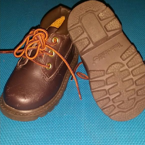 Boys timberland boots Chocolate brown , boys toddler boots size 5, few scratches but very good condition worn twice. Timberland Shoes Winter & Rain Boots
